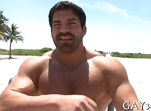 blowjob,hardcore,public,gay Massive hunk gets...