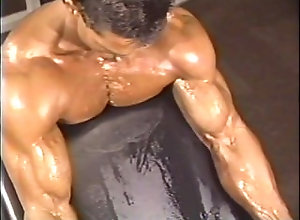 bodybuilder;muscle,Muscle;Solo Male;Gay VERN G