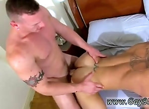 kissing;muscular;gayporn;hunk;hairy;rimming;anal;gay;trimmed,Gay;College;Described Video Hot sexy cute...
