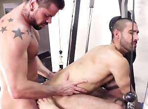 sneakers;gym-shorts;anal;cumshot,Muscle;Group;Gay Antonio, Mario...