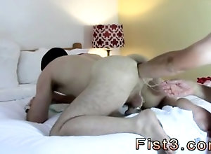 gay-sex;in-the-bedroom;ass-play;fist;gay;daddie;brown-hair;faced-down;fisting,Gay;College;Chubby Naked male...