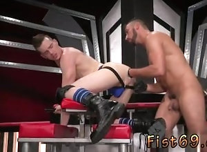 gay-sex;fist;anal-sex;big-cock;fisting;hairy;fetish;oral-sex;gay-porn,Fetish;Gay;Bear First fisting gay...